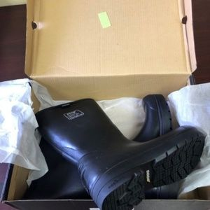 Men's Bogs Boots/Size 4 All Weather Food Pro Tall